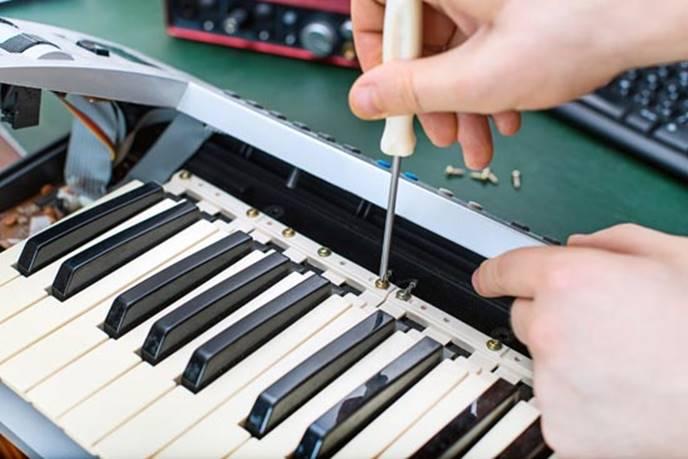 Hướng dẫn sửa chữa những lỗi thường gặp ở đàn piano điện.